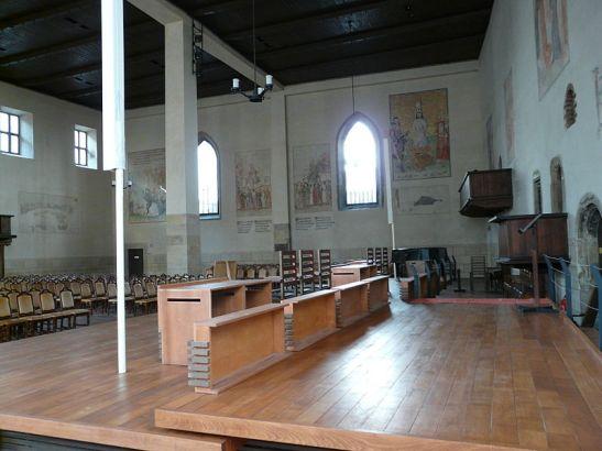800px-Betlémská_kaple_interior